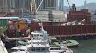 長沙灣對開躉船起火無人傷 環保署一度籲居民關窗