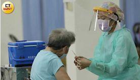 11人接種AZ後猝死「多為高齡長者有慢性病」!莊人祥:2案解剖與...