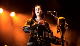 "The xx's Romy Madley Croft Announces Debut Solo Album, Performs New Song ""Weightless"": Watch"