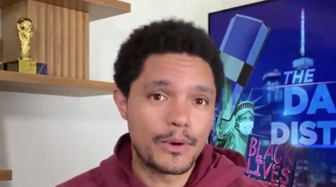 Trevor Noah responds to claims Trump wants to be added to Mount Rushmore: 'Who says it has to be his face?'