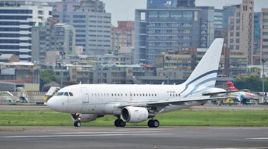 3度蟬聯台灣首富 一度有4架私人飛機 蔡衍明低調出售私人飛機給長榮集團