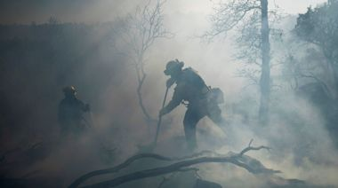 Santa Ana winds bring Thanksgiving wildfire danger to Southern California: 'Be extremely cautious,' warns National Weather Service