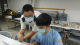 解決長輩照顧問題 羅高學子楊承鈞獨立研發智能健康管理系統