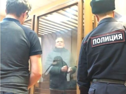 """Russia arrests more Jehovah's Witnesses on charges of """"extremism"""""""