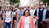 賀錦麗為同志平權走上街!「訴求寫身上」不改親民風格網讚爆 - 自由電子報iStyle時尚美妝頻道