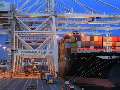 Could a COVID-19 surge lead to shutdowns at L.A. ports? Officials plead for dockworker vaccines