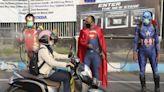 要怎麼讓民眾乖乖待在家?印尼想出「鬼」點子:派「殭屍」街頭巡邏嚇人!