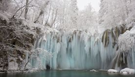 Frozen Waterfalls That Show the Beauty of Wintertime