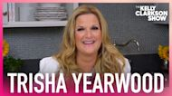 Trisha Yearwood Surprises Kelly With Her Favorite Cupcake and Kelly LOVES IT!
