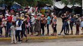Administración Biden planea acelerar deportación de familias migrantes