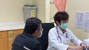 AZ疫苗擴大接種對象 鄭文燦率市府首長搶頭香