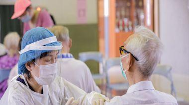 台中AZ疫苗開打 最年長者106歲阿公