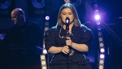 Kelly Clarkson collides beautifully with Dave Matthews hit in 'Crash into Me' cover