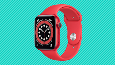 'Better than Fitbit:' The Apple Watch Series 6 is $100 off at Amazon