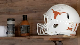 Chew on this: Popular local BBQ spot pays UT football star