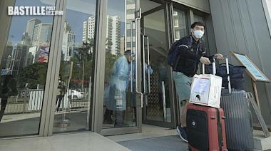 政府宣布加強酒店檢疫措施 檢測增至最多4次 | 社會事