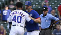 Cubs' Willson Contreras ejected, restrained by David Ross