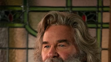 Which '80s action hero is the better Santa Claus in 2020: Kurt Russell or Mel Gibson?