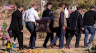 U.S. hits more than 1,000 COVID deaths in one day