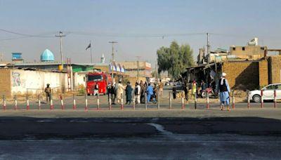 阿富汗南部清真寺自殺炸彈攻擊 至少33死74傷
