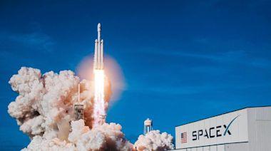 【全文】馬斯克與貝佐斯決戰太空產業 低軌衛星引爆商機