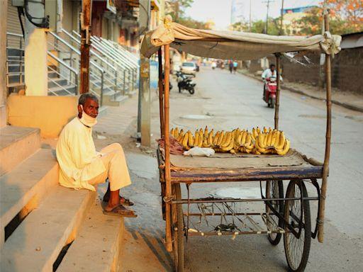 印度疫情下的真實世界:富豪搶購千萬賓士,窮人面臨營養危機 | 科技新報 | 遠見雜誌