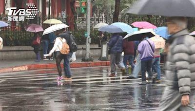 午後雨彈來襲!全台10縣市大雨特報 大雷雨狂炸南部