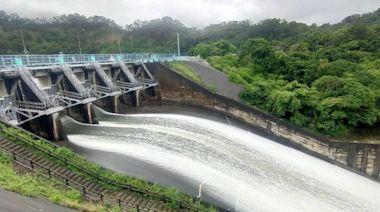 烟花雨量豐 明德水庫逼近滿水位加大洩洪量