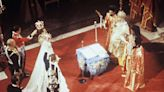 Recordamos la boda de don Juan Carlos y doña Sofía en la catedral de Atenas, el mismo escenario que la de su sobrino