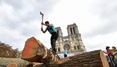 Paris cathedral skills show