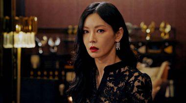 40歲金素妍婚紗挖空到臀部 「真實身材」網大讚