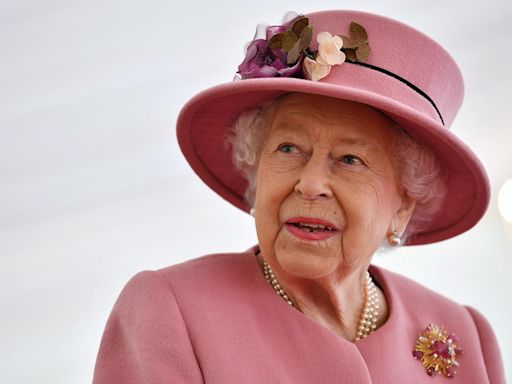 La reina Isabel II rechaza el premio Anciana del año