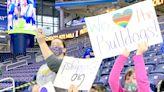 Centreville fans witness history