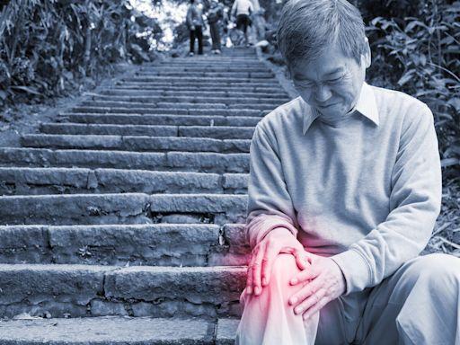 別讓樓梯成為行動障礙!上樓身體前傾 下樓握緊扶手 按摩6穴位更輕鬆