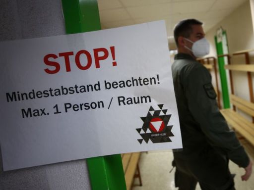 "Austrians to face further ""massive restrictions"" after lockdown - Kurz"
