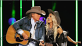 """Carrie Underwood and Dwight Yoakam Perform """"A Thousand Miles From Nowhere"""" 