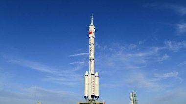 射後不理前科累累!中國明送人上太空 被問火箭殘骸處理