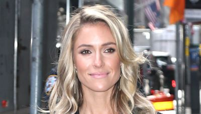 Kristin Cavallari's Tank Top, Leggings & Slides Are Perfect for Washing Your Hair in the Sink