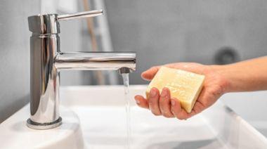 乾洗手、含抗菌成份肥皂預防病毒有用嗎? 美國FDA解答