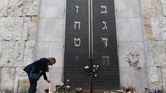 Far-right extremists blamed for surge in anti-Semitic crimes in Germany