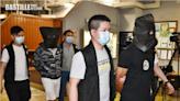 涉闖屯門政府大樓刑毀5車 警拘兩男子 | 社會事