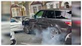Range Rover衝撞20次逃跑成功 網友驚嘆:撞不壞│TVBS新聞網