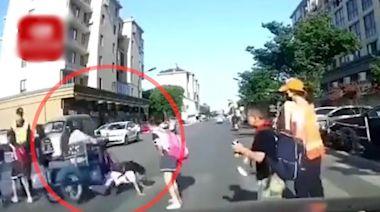 老翁騎車撞倒小學生 碾壓女童未停車惹爭議
