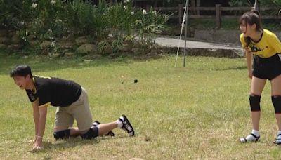 江宏傑下跪爬行熱血拚搏《玩很大》 哀嚎:比運動會還操