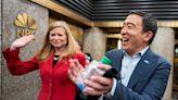 紐約市長初選︱楊安澤擬與賈西亞結盟 圖集氣力壓領先的亞當斯 | 蘋果日報