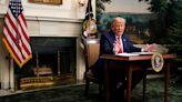 Actor Mark Hamill mocks President Trump's mini-desk