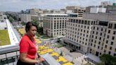 美國總統腳下的土地歸她管!川普最新眼中釘:華府女市長包瑟爾在白宮外漆上「黑人的命也是命」