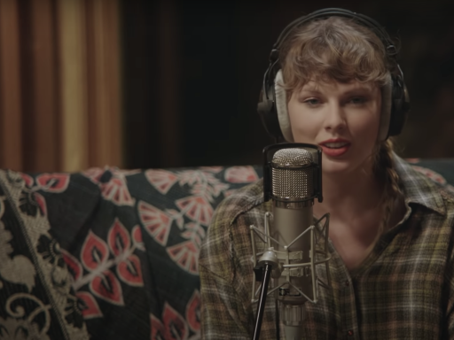 'Folklore' Review: Taylor Swift's Disney+ Doc Is Just Her Singing in a Barn, and That's OK