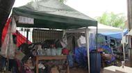 Familiares convierten hospitales paraguayos en campamentos de solidaridad