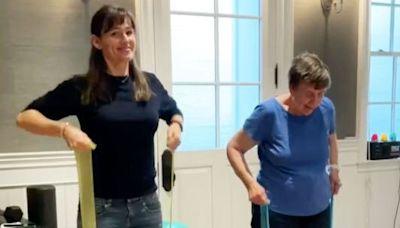 Watch Jennifer Garner, 49, And Her Mom Pat, 83, Crush A Workout Together